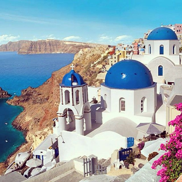 #Santorini has such a unique #Cycladic #architecture! #VarietyCruises
