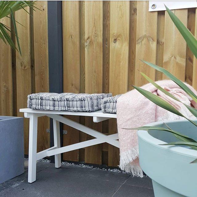 >>>GIVE AWAY<<< Maak kans op dit leuke tuinbankje van @jysknl ! Hoe? Dat lees je in mijn nieuwe blogpost!