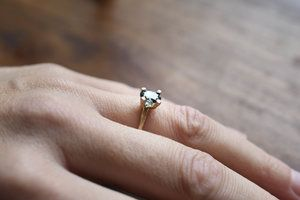 verlovings-ring-takje-natuurlijk-rose-goud-gold-ovaal-engagement-wood-liesbethbusman.jpg
