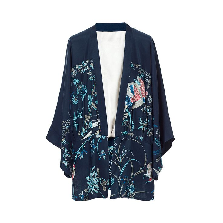 Kimono de mujer azul, con un patrón de fénix.