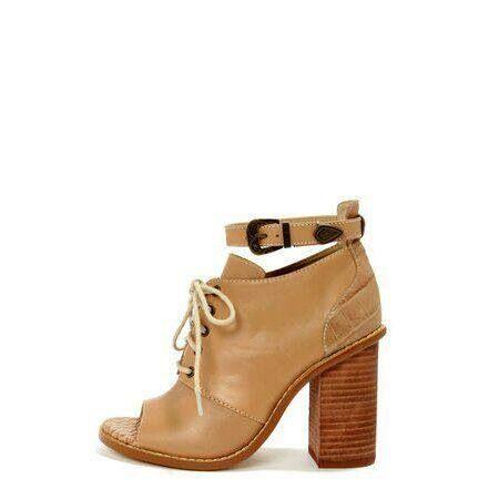 Selain menjual sepatu dengan model yang telah tersedia kamipun menerima pembuatan sepatu wanita dengan model dari anda sendiri.Untuk keterangan lebih lanjut dapat menghubungi Anni (PIN BB 233FD7A2,HP/WhatsApp 081572985289,Yahoo Messenger annieffendi@yahoo.com) dari jam 10.00 s/d jam 18.00,Lie Mey Yung (PIN BB 32A6E0BD,HP/WhatsApp/Wechat/Line/Kakaotalk 02295555022,Yahoo Messenger mey_yung73@yahoo.com) dari jam 18.00 s/d 20.00  RESELLER WELCOME