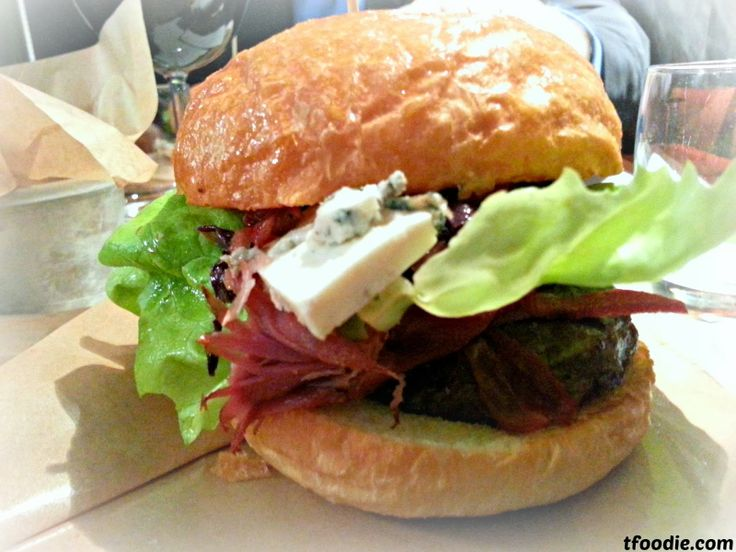 The traveling foodie - Ham Holy Burger