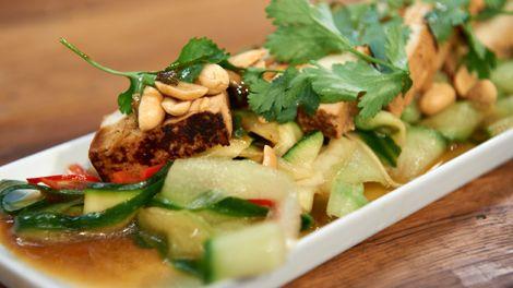 Gurke-Zucchini Salat
