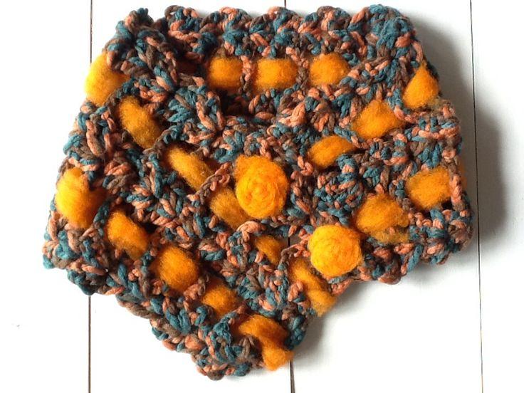 Nuevos cuellos a crochet con detalles en fieltro
