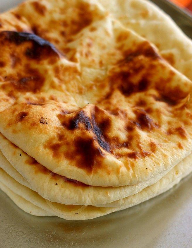 Coucou tous le monde, jme devais de partager avec vous ces délicieux naans, le mode de cuisson fait qu'ils sont tout simpelment parfaits, légers, moelleux et délicieux! pour accompagner un repas indien comme un poulet tandoori, jvous le dis, vous allez adorer!!! la recette en elle même n'a rien d'extraordinaire mais le mode de cuisson,...Lire la suite... »