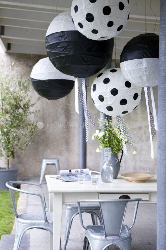 Erg leuke inspiratie voor je tuin! Dit is een leuke en originele dining set. Erg mooi om te zien en de kleuren zijn geweldig.