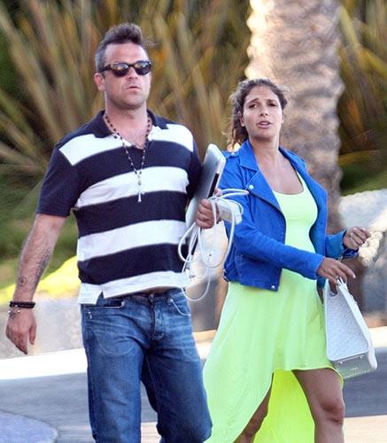 Robbie Williams y Ayda Field, dos futuros papás a la espera #singer #people #celebrities