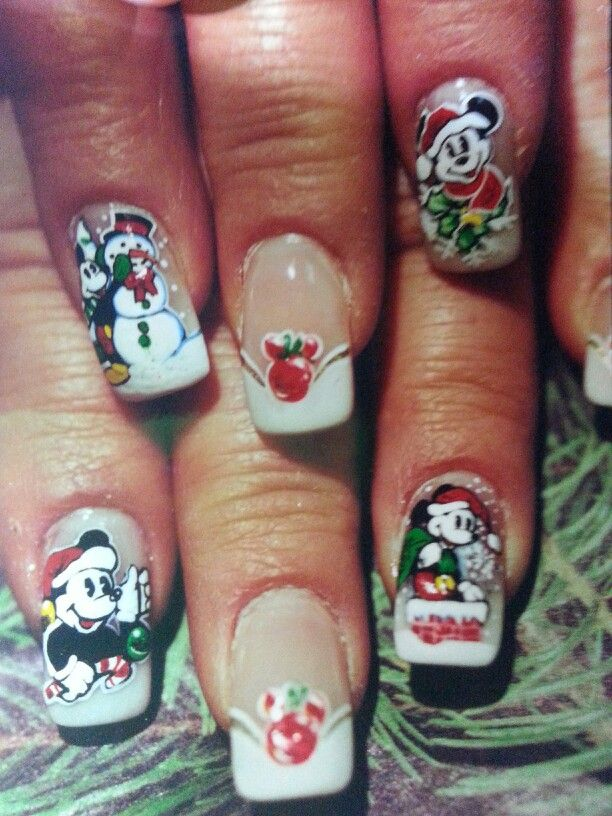 Mickey and minnie mouse Christmas nail art susan tumblety
