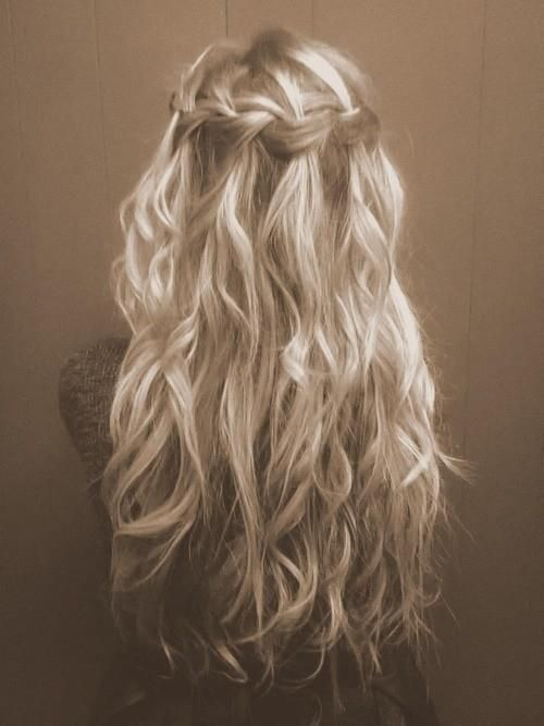 love the waterfall and loose curls