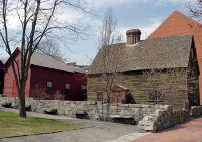 Salem Tours - Sightseeing Bus Excursions from Boston Massachusetts