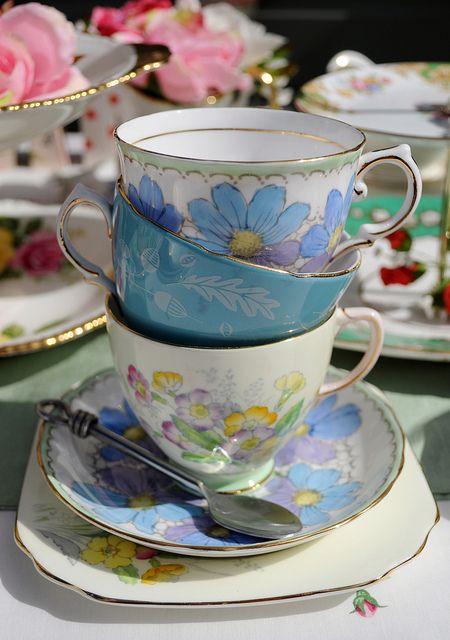 Beautiful vintage tea party teacups...