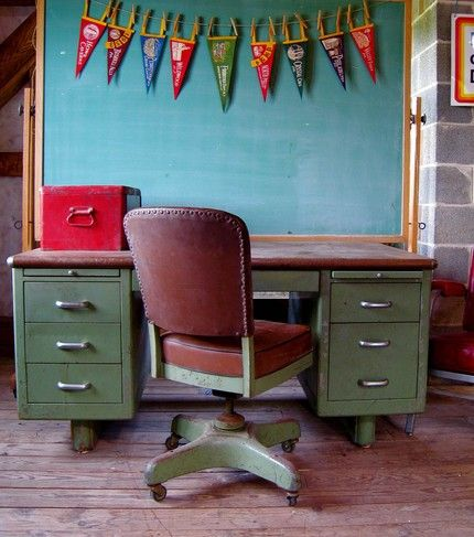 My grandfather had a desk and chair just like this. Same metallic green. Good times