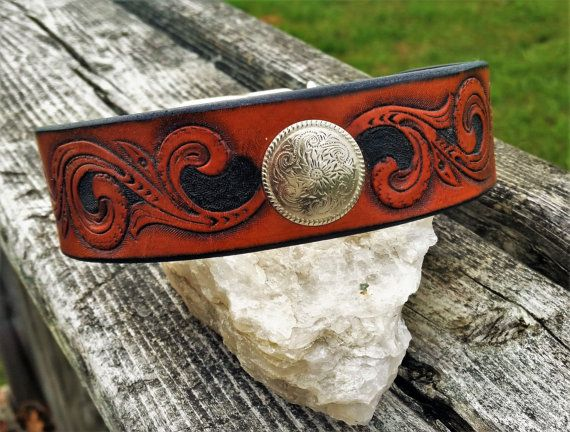 Western Scrolls leather tooled dog collar. by TMPLeatherworks