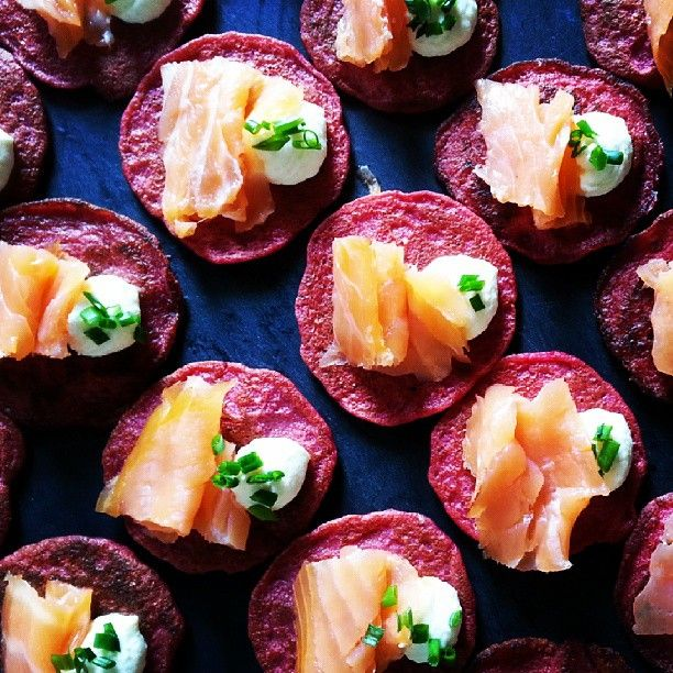 Betroot blini's#smoked salmon#horseradish cream