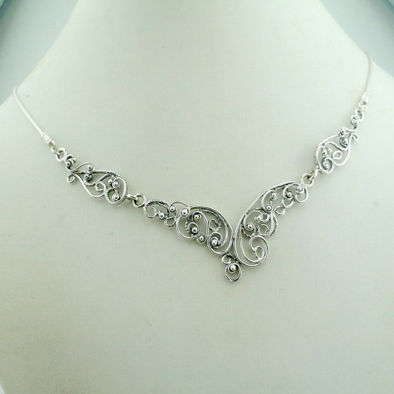silver filigree necklace - this is so delicate and pretty