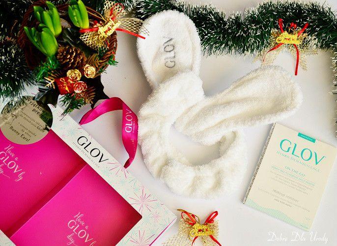 Zobaczcie jakie urocze Świąteczne zestawy stworzyła marka GLOV ♥ Bunny Ears Set zawiera dwa produkty. A mianowicie rękawicę GLOV On-The-Go, stworzoną ze specjalnych mikro-włókien, które w połączeniu z wodą działają jak magnes i dokładnie oczyszczają skórę, oraz fantazyjną, pluszową opaskę do przytrzymywania włosów w trakcie oczyszczania twarzy lub przy wykonywaniu domowych zabiegów spa. Teraz i ja będę króliczkiem :) Klik ..http://www.glov.co/kolekcja/bestsellery/bunny-ears