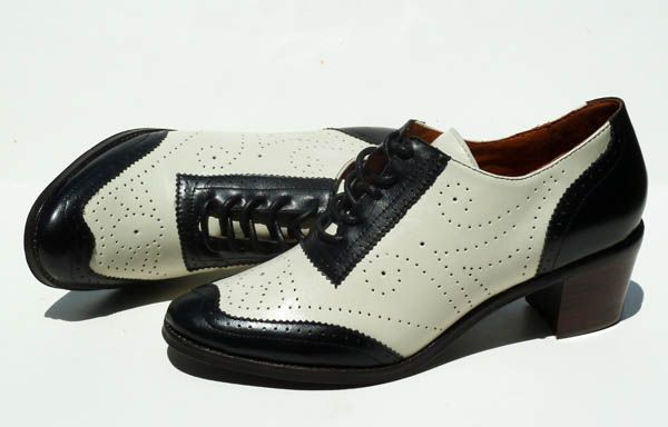 These are pretty awesome.  Boardwalk at REMIX.: Shoes Win, Oxfords Style, 2003 Remixvintagesho Com, Vintage Shoes, Style Lace Up, Products, Re Mixed Vintage, Boardwalk