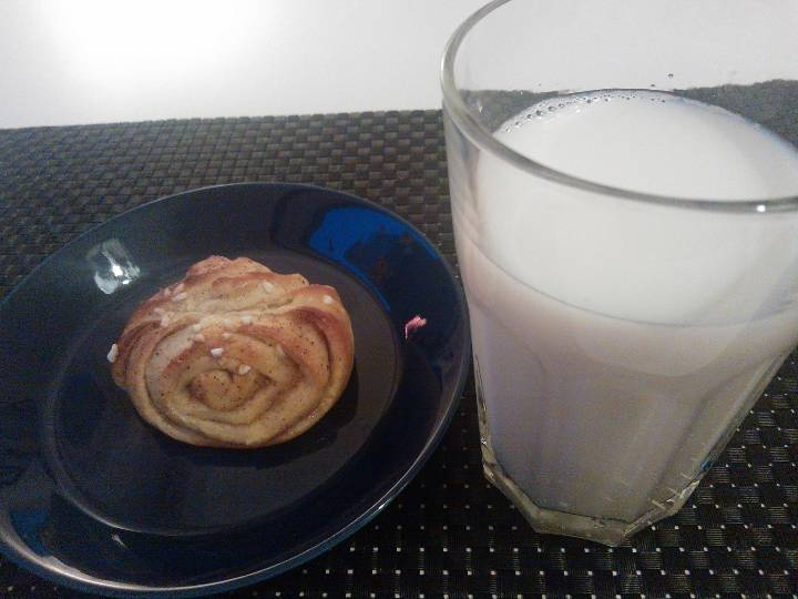The only true way to enjoy a cinnamon roll: with a glass of fresh skimmed milk. (korvapuusti)