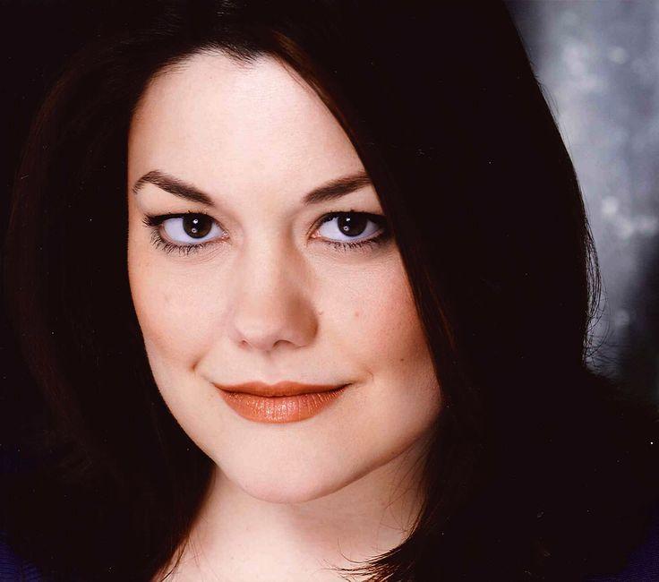 Brooke Elliott Wicked | Music Theatre Performance, 1998 -- Brooke Elliott graduated from WMU's ...