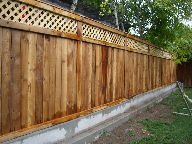 Creative Backyard Fence Ideas For Garden Edging And Privacy Design:  Surprising Pine Wood Stockade Backyard Fence Ideas With Natural Looks And  Unpolished ...