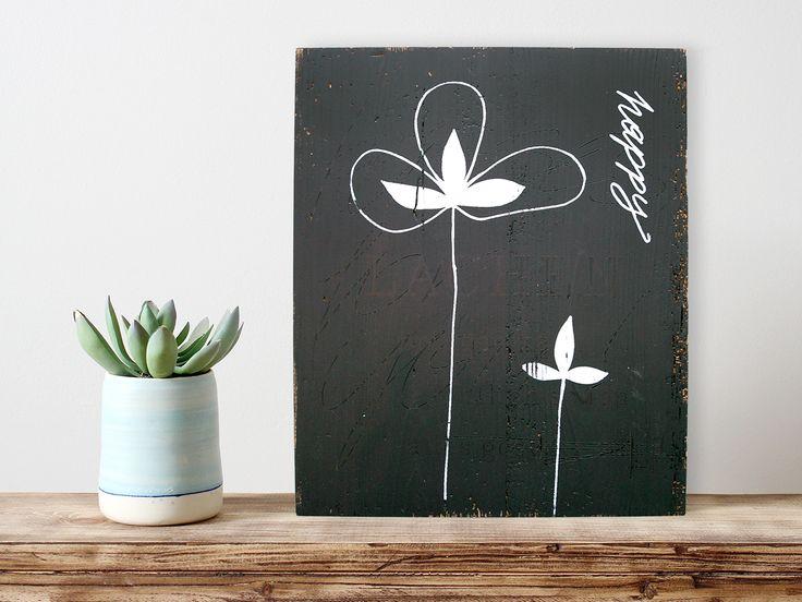 Picture // White Silkscreen on black Wood #siebdruck #silkscreen #holzschild #happy #flower