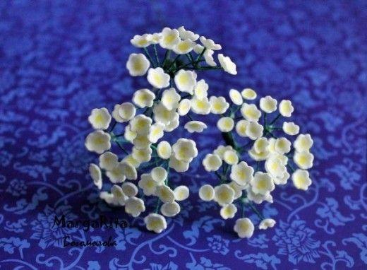 Хочу показать вам, как я делаю маленькие белые полевые цветочки из фоамирана. В просторах интернета не видела такого мастер-класса. Надеюсь, он вам пригодится Материалы: - фоамиран ...