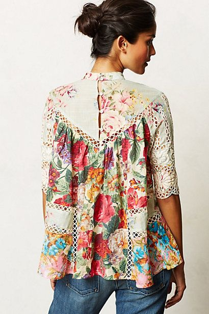 Anthrolopogie - floral, slightly boho feminine smocked top