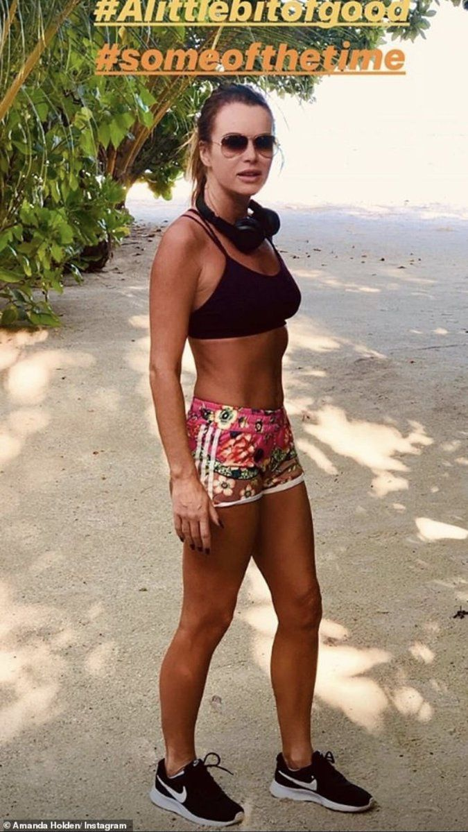 Bikini Amanda Holden naked (11 photo), Sexy, Fappening, Selfie, legs 2019