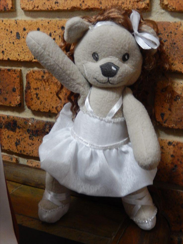 E3: Nina Pretty Ballerina (Louisa Meyers bear - dressed up)