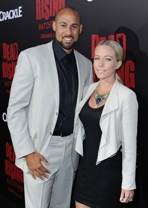 WatchIt with Kendra and Hank: WE tv to replay season three of Kendra On Top, with Kendra Wilkinson and Hank Baskett watching and adding commentary.
