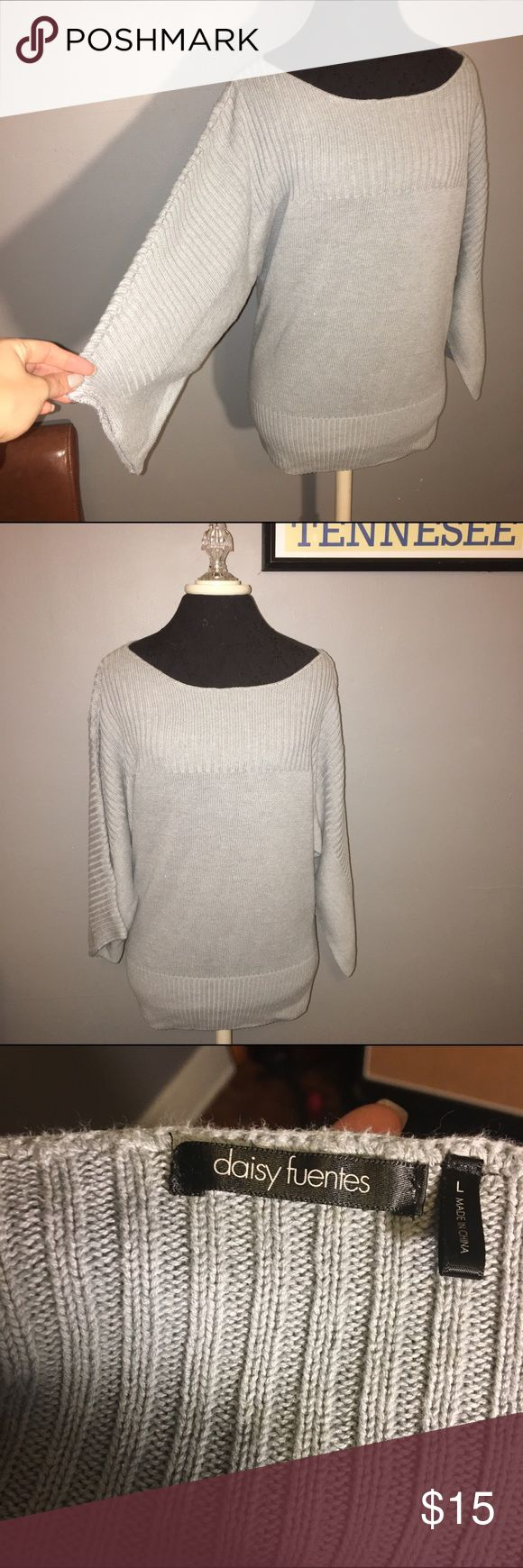 Daisy Fuentes large tunic sweater Daisy Fuentes large tunic sweater with cropped wide sleeves Daisy Fuentes Sweaters Crew & Scoop Necks