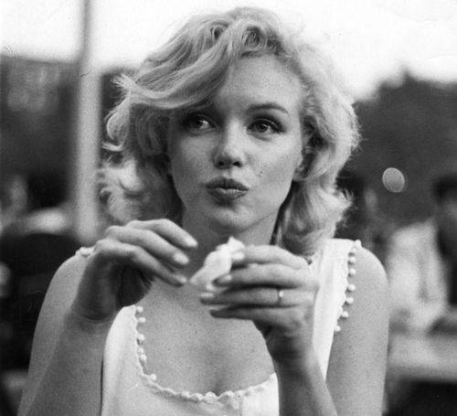 Marilyn Monroe photographed by Sam Shaw, 1957