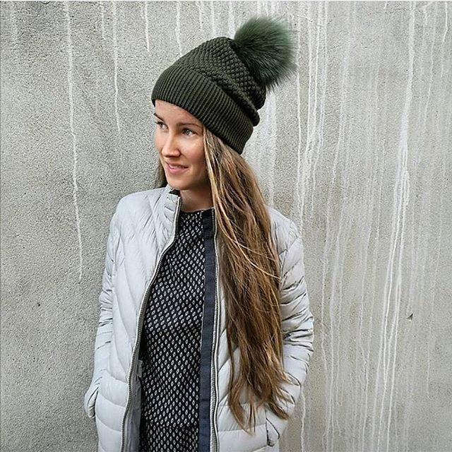 Deze te gekke beanie shop je met 20% korting via deze link: http://www.modemeisjes.com/accessoires-1 💛🎃🍄 #muts #beanie #mpdenmark #pompon #groen #herfst #accessories #accessoires #model #mode #meisjes