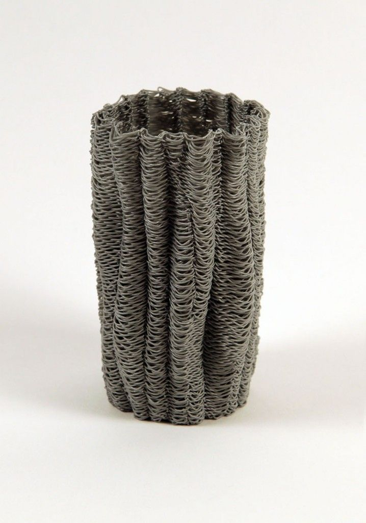 Drawing in 3D Using Fused Deposition Modeling with Artist David Lobser http://3dprint.com/19943/david-lobser-3d-printed-vessel/
