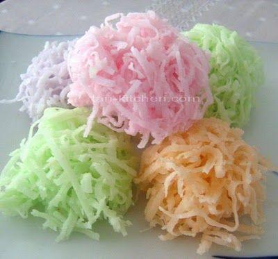 Thai Dessert : Ma-praao Kaew (Crispy Coconut Candies) - มะพร้าวแก้ว
