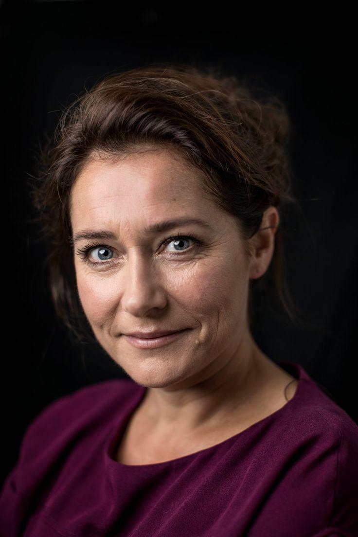 Inferno Interview - Sidse Babett Knudsen - YouTube