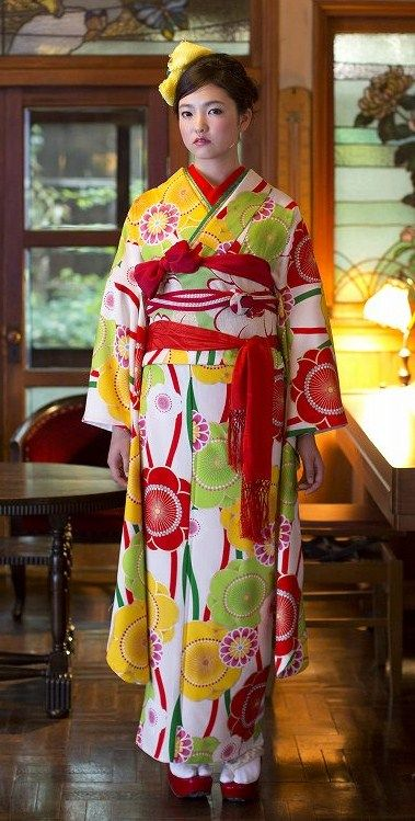 Modern hulisode. hulisode: long sleeved formal kimono, single women only