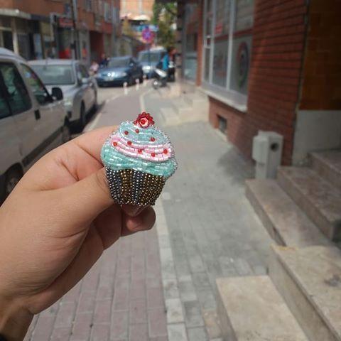 Photo of Cap cake model, which is a perfect brooch …- Mükemmel bir broşumuz olan kap …