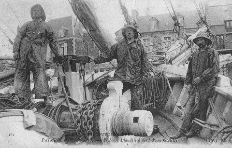 Le puissant guindeau à brimbale des goélette d'Islande   c.1900