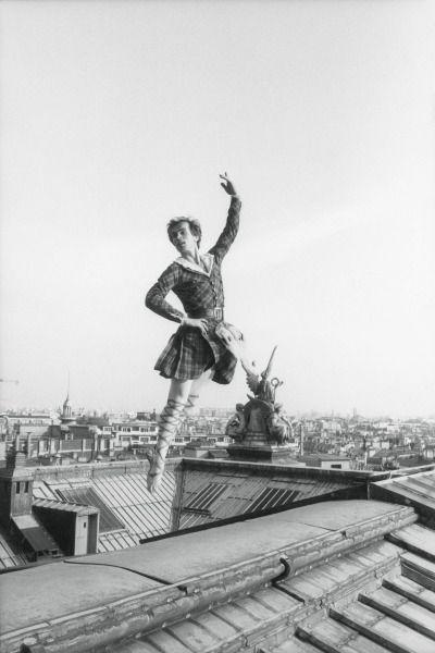aurelie-dupont:  Rudolf Nureyev on top of Palais Garnier c. 1979 Published by Paris Match