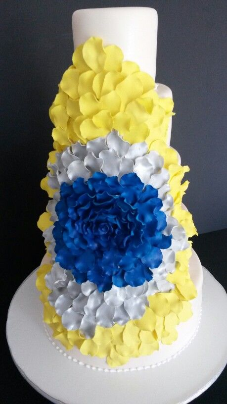 royal blue and canary yellow wedding cake 29 best wedding cakes images on cake wedding 19345