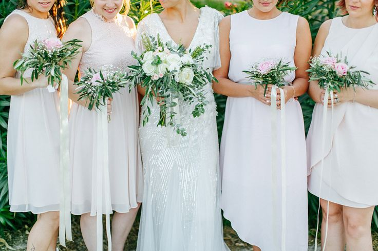 Bridesmaids bouquets matching KATIE bouquet with longs ribbons by MOMENTS www.weddingincrete.com