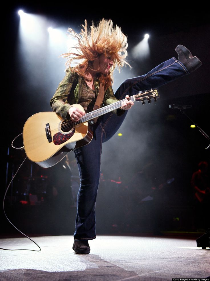 Nancy Wilson (Heart) 2010 Lilith Fair Tinley Park  Photo by David Bergman, Getty Images