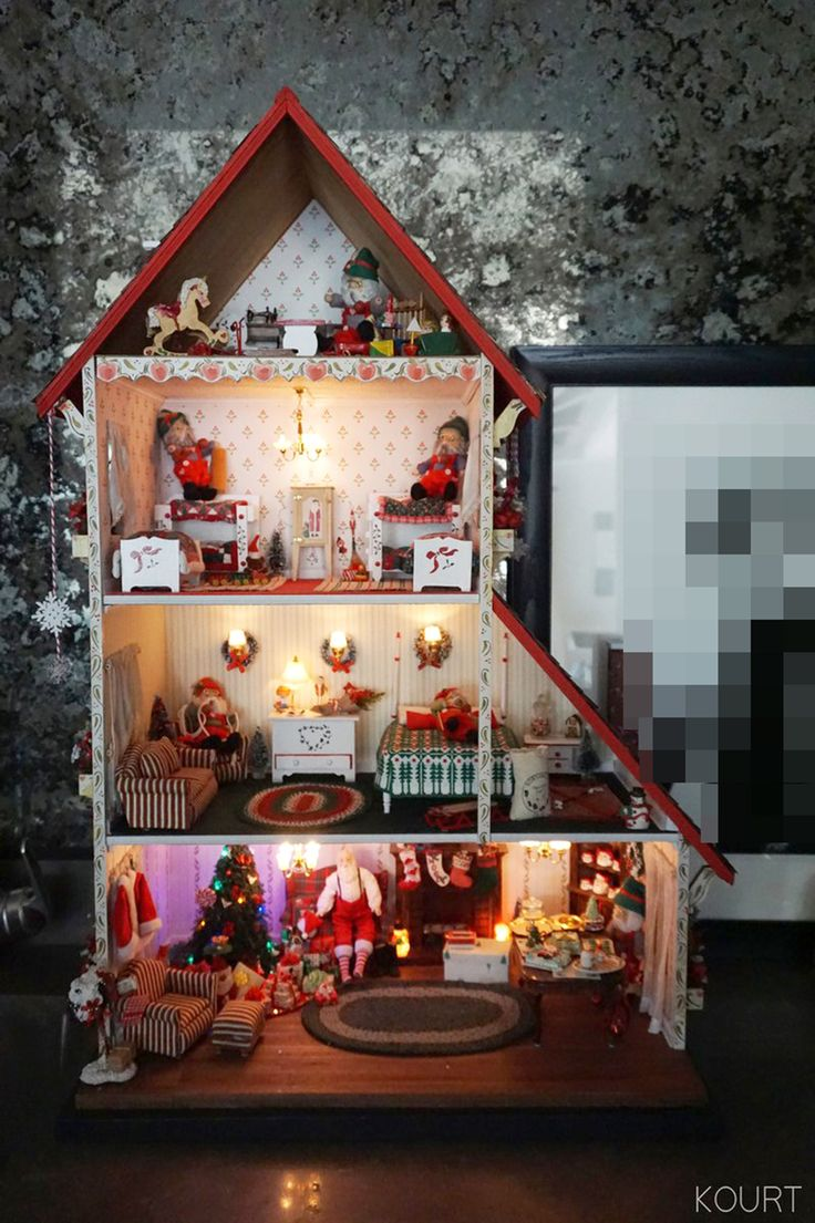 Inside kourtney kardashian s stunning family home in california - You Won T Believe Where Kourtney Kardashian Shops For Her Holiday Decorations
