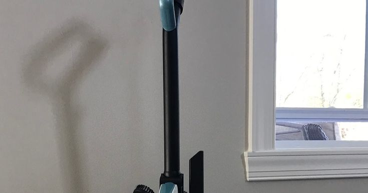 I found the BEST vacuum and it's only $40! See the pros and cons of the Black and Decker lightweight vacuum.