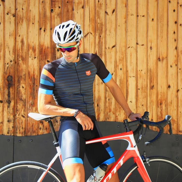Make elegance your biggest ally ➡ #collapse total cycling outfit #taymorycycling #cycle #cyclist #taymorybike #bikeit #bikeon #bikeporn #newdesigns #summer #fashiondesign #fashion #fashionforhim #fashionist #fastfashion #wearyourdreams #chaseyourdreams #taymory