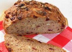 Tökmagos-áfonyás, dagasztás nélküli kenyér