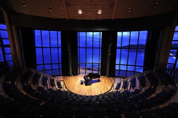 """""""Teatro del Lago'' en Frutillar, Chile"""