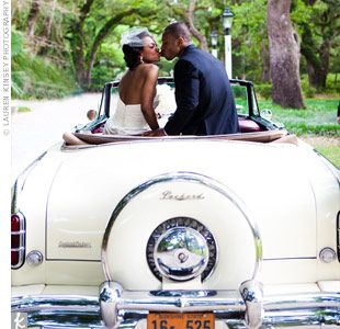 Basic Wedding Transportation Tips Good Idea To Have A Playlist For The Guest Shuttle