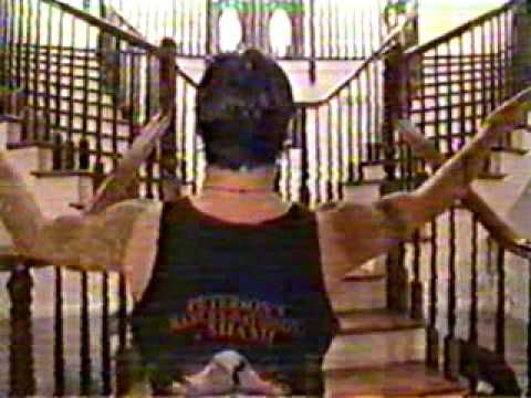 Sully Erna (Godsmack) on MTV Cribs ENG | http://pintubest.com
